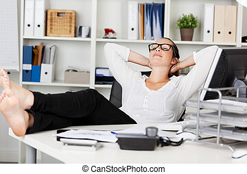 Napping woman - Portrait of a businesswoman during the ...