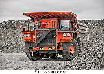 narancs, bányászás, jármű, vezetés, alatt, a, csonthéjas mag