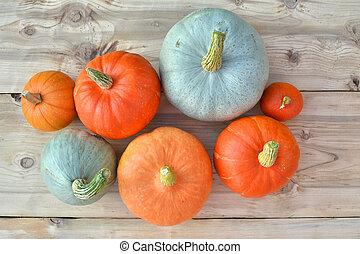 narancs, kék, sütőtök
