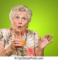 narancslé, ivás, nő