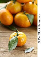 naranja, mandarina, mandarín