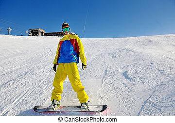 narciarstwo, na, świeży śnieg, na, zima, pora, na, piękny, słoneczny dzień