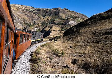 Nariz Del Diablo train ride - The Train ride (Nariz Del ...