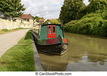 narrow boat at quay on canal, Bradford on Avon