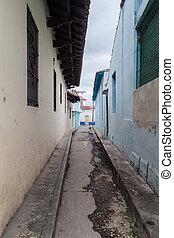 Narrow dirty alley in Sancti Spiritus, Cu