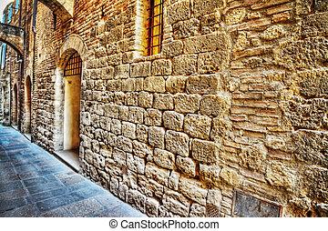 narrow street in San Gimignano