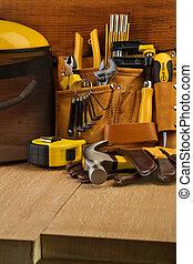 narzędzia, pracujący