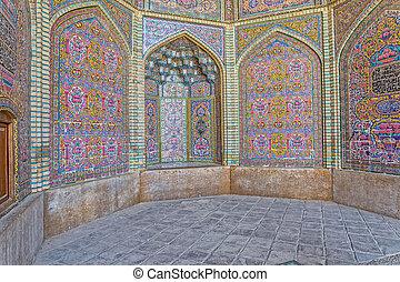Nasir al-Mulk Mosque decoration