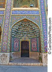 Nasir al-Mulk Mosque passage