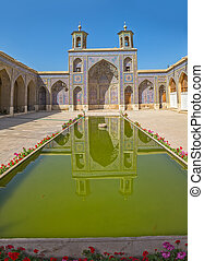 Nasir al-Mulk Mosque vertical
