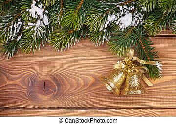natal, árvore abeto, com, neve, e, feriado, decoração, ligado, rústico, madeira