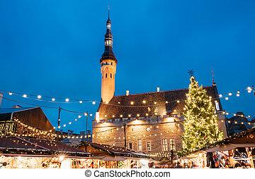 natal, mercado, ligado, corredor cidade, quadrado, em, tallinn, estonia., árvore natal