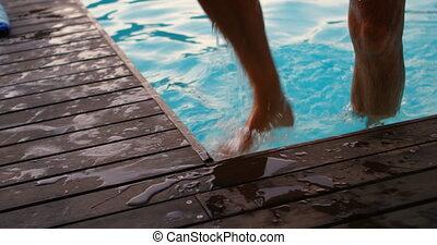 natation, 4k, venir, homme aîné, piscine, dehors