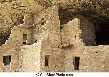 Native american cliff dwelling, Spruce Tree House, Mesa...