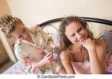 natte, séance, amis, jeune, lit, une, autre, séduisant, ...