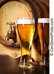 naturaleza muerta, con, un, bosquejo, cerveza