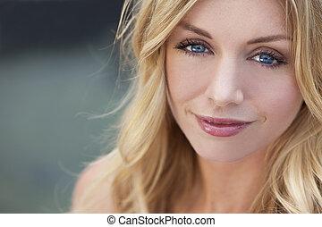 naturally, bonito, loura, mulher, com, olhos azuis