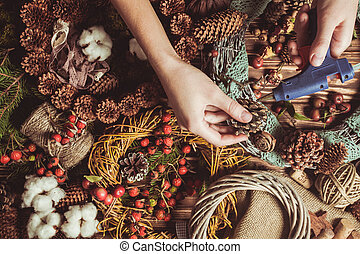 Nature wreath making - Nature components wreath - ...