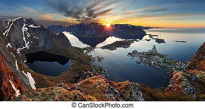 natureza, panorama, paisagem montanha, em, pôr do sol, norway.