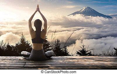 beoefenen vrouw yoga jonge natuur vrouw yoga zonnig