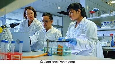 naukowiec, laboratorium, eksperymentujący, 4k