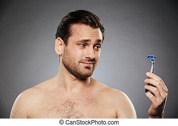 navalha, shirtless, confundido, olhar, retrato, homem