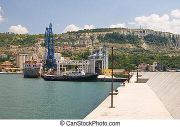 nave de envase, en, el, puerto, balchik, de, bulgaria