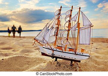 nave, modello, su, estate, spiaggia, a, tramonto
