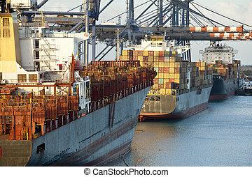 naves de envase, puerto