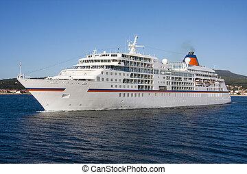 navio cruzeiro, por, mar, viagem, e, transporte