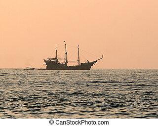navio, em, pôr do sol