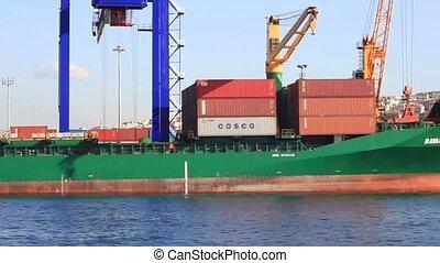 navire porte-conteneurs, cargaison