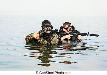 U s navy hard hat diving helmet the u s navy mark v diving helmet - Navy seal dive gear ...
