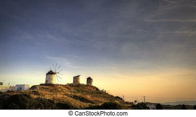 naxos, éoliennes, trois