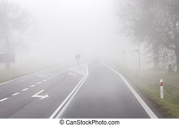 nebbia, guida, strada