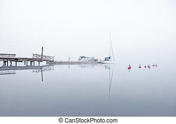 nebbia, yacht