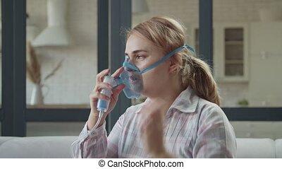nebulizer, femme, inhalation, traitement