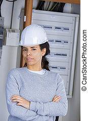 nechráněný, opatřit pojistkou, čelo, samičí, stálý, elektrikář