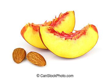 Nectarine slices with almonds