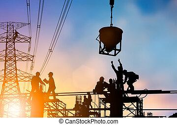 negócio, dois, agitação, pessoas, pastel., deal., silueta, mãos, indústria, engenheiro, bom, trabalho, natural, pôr do sol, sobre, pesado, segurança, fundo, obscurecido, conceito