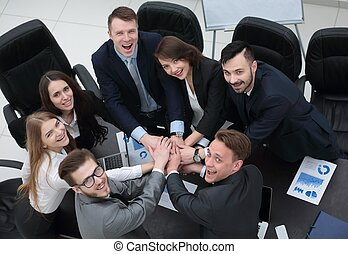 negócio, escrivaninha, equipe, junto, mãos apertaram