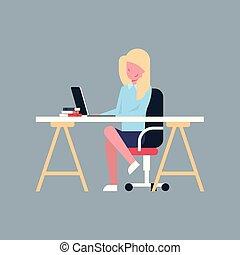 negócio mulher, escritório, sentar, executiva, laptop, isolado, trabalhando, computador, femininas, escrivaninha