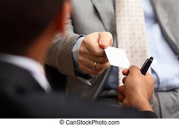 negócio, sucedido, executivo, dois, closeup, trocar,...