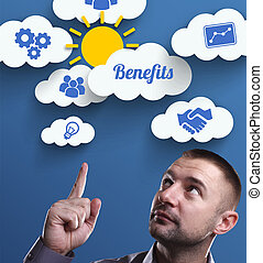 negócio, tecnologia, internet, e, marketing., jovem, homem negócios, pensando, about:, benefícios