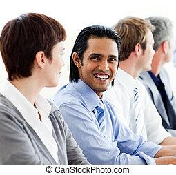 negocio internacional, sentada de la gente, consecutivo