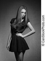 negro y blanco, retrato, de, modelo, mujer en vestido