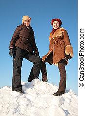 neige, colline, femme, jeune, deux