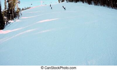 neigeux, ski, colline, bas, skieurs, 4k