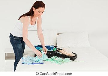 neki, gyönyörű, csomagolás, bőrönd, nő