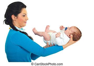 neonato, madre, presa a terra, in pausa